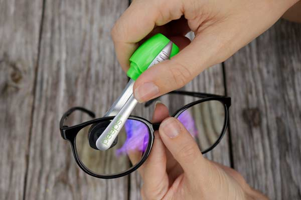 peeps eyeglass cleaner how to use